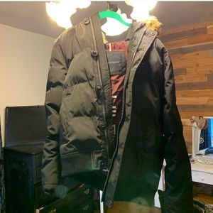 NEW WITHOUT TAGS Tommy Hilfiger parka